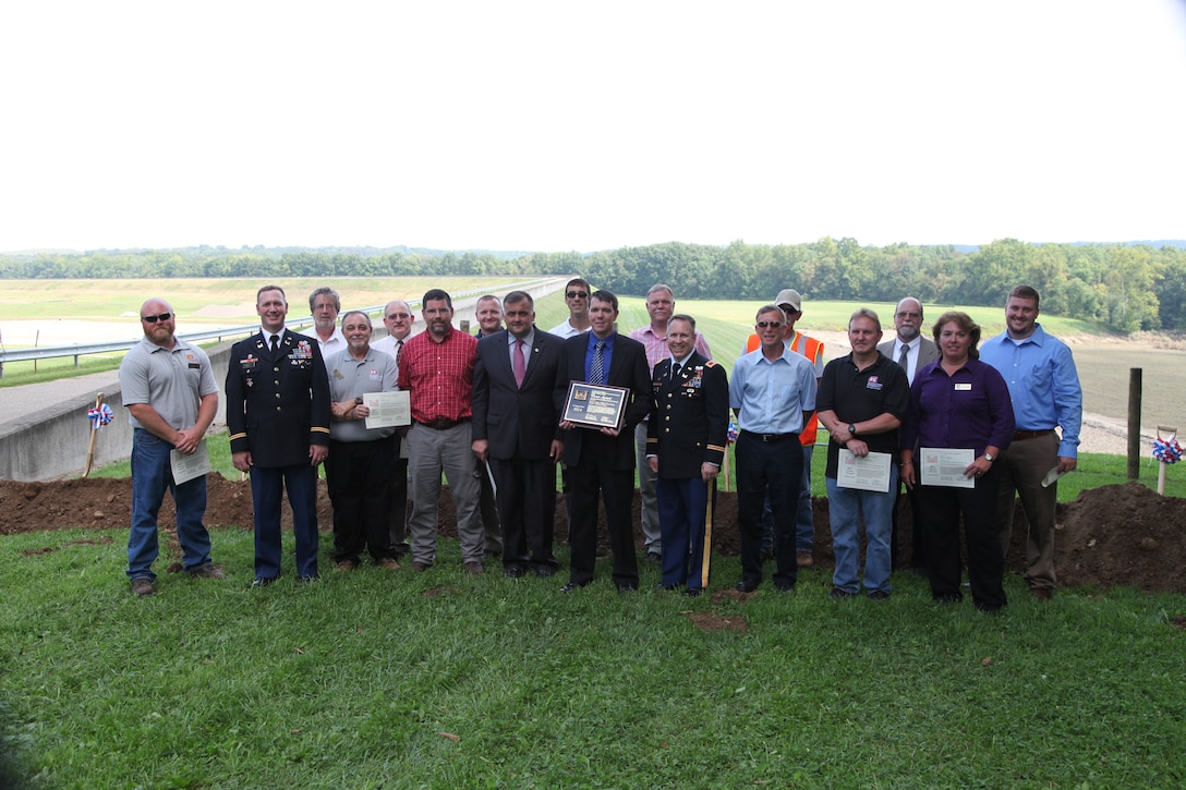 Division Commander Awards Best Project Delivery Team