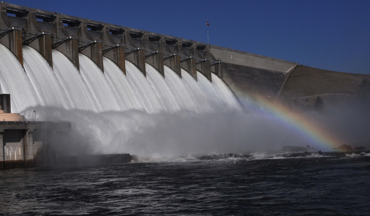 Officials last tested the gates at Hartwell Dam in January 2010. These tests ensure the gates can perform properly in the event of an emergency. (U.S. Army Corps of Engineers photo by Billy Birdwell.)