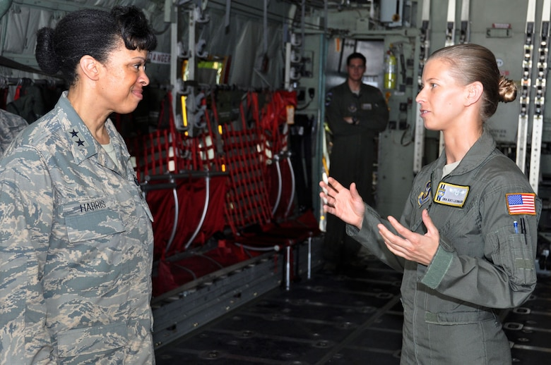 Senior Airman Kati Leonard, a loadmaster with the 440th Airlift Wing, talks with Harris during the general's recent visit to Pope Field, North Carolina. (Staff Sgt. Mark Thompson)