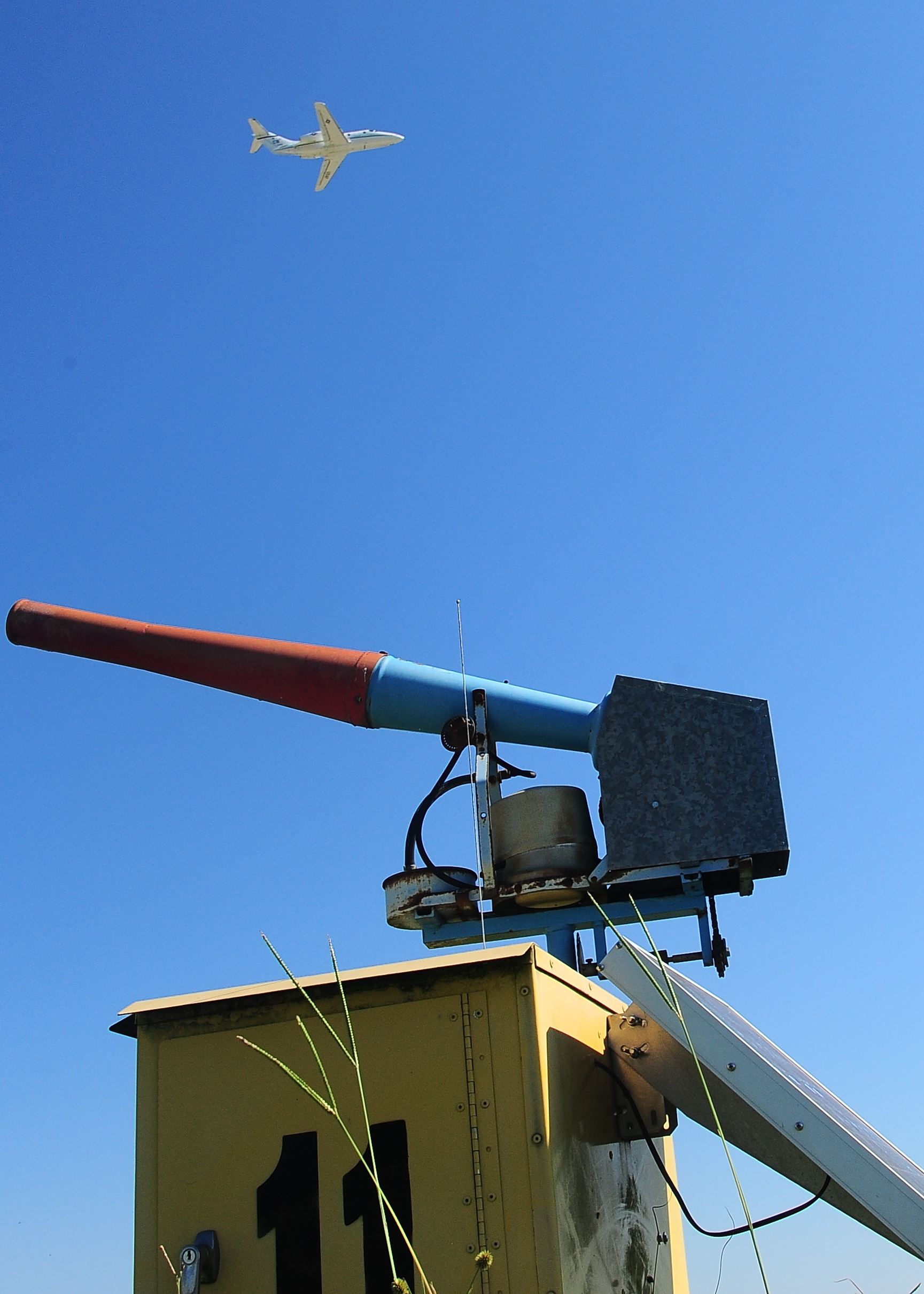 pictures US Air Force uses bird cannons to keep bombers safe from geese