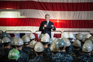 Secretary of the Navy Ray Mabus holds an all-hands call for sailors and shipyard employees at General Dynamics Electric Boat in Groton, Conn., after a tour of the Virginia-class attack submarine Pre-Commissioning Unit Illinois, Sept. 17, 2014. U.S. Navy photo by Petty Officer 2nd Class Armando Gonzales
