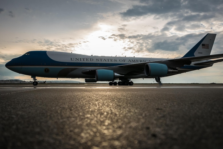 President Barack Obama transits aboard Air Force One through the Kentucky Air National Guard Base in Louisville, Ky., April 2, 2015. Obama was in town to discuss job training and economic growth during a visit to Indatus, a Louisville-based technology company that focuses on cloud-based applications. (U.S. Air National Guard photo/Maj. Dale Greer)