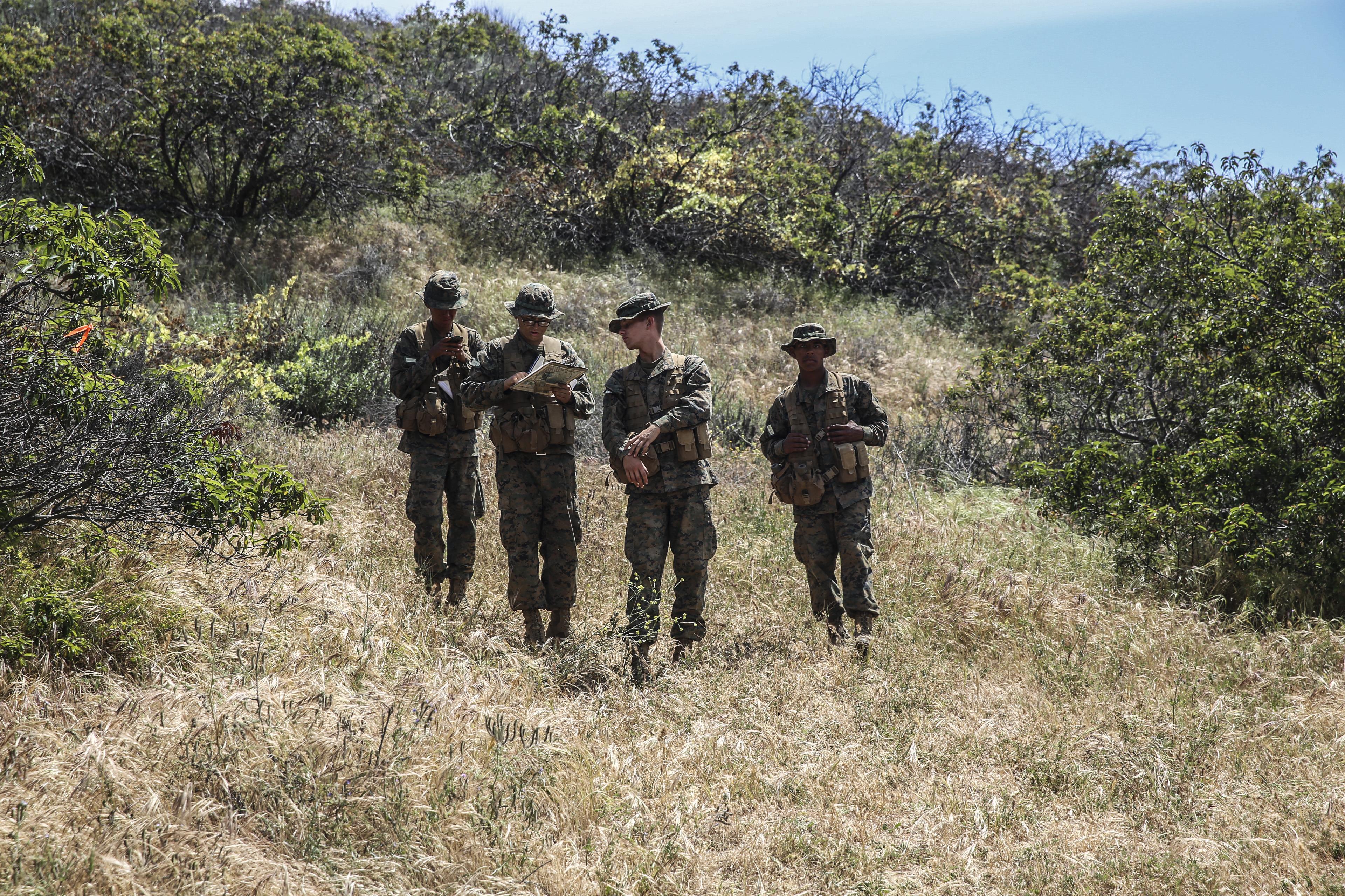 Recruits navigate the old fashion way Marine Corps Recruit Depot