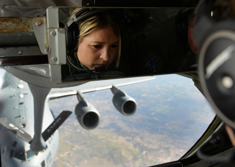 Staff Sgt. Amanda Walls, a KC-135 Stratotanker boom operator student, refuels a C-17 Globemaster III during her final check ride, April 10, 2015. Walls completed the boom operator course and will soon be returning to her home unit, Tennessee Air National Guard's 151st Air Refueling Squadron, where she previously served as a KC-135 crew chief. (U.S. Air Force photo/Airman 1st Class Nathan Clark)