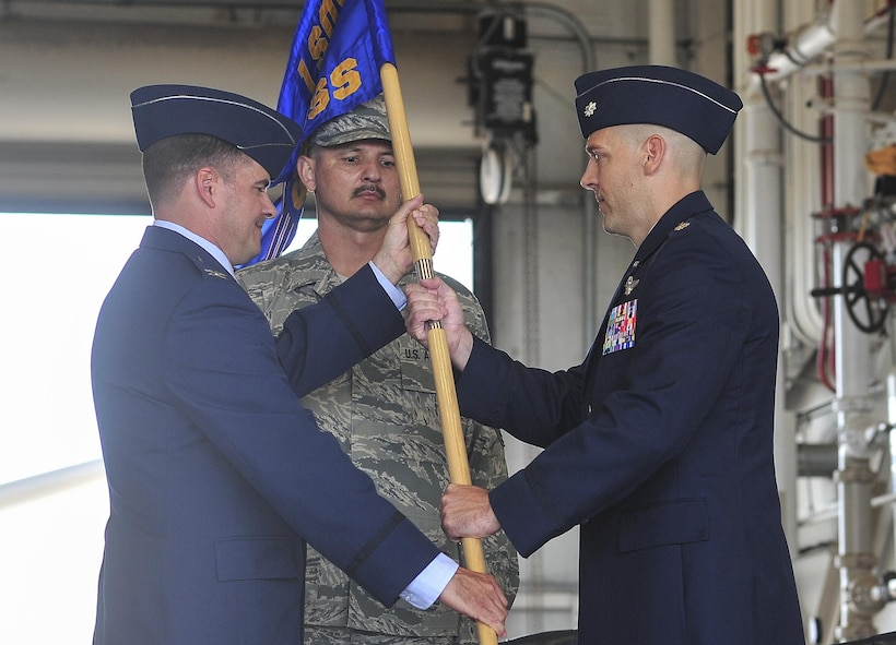 Lt. Col. Michael Thomas, 1st Special Operations Support Squadron commander, takes command of the 1st SOSS at Hurlburt Field, Fla., April 10, 2015. The 1st SOSS accomplishes global special operations tasking's as a member of the Air Force component of United States Special Operations Command. (U.S. Air Force photo/Airman 1st Class Jeff Parkinson)