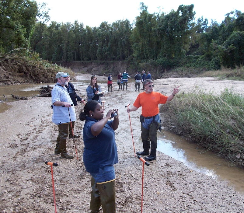 As the value of land in and around streambanks has increased, engineers at the ERDC Coastal & Hydraulics Laboratory (CHL) have responded to the need for effective stream erosion control and bed and bank protection by offering innovative training and techniques.