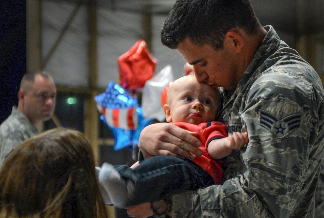 Airmen assigned to the 20th Fighter Wing return from a deployment at Shaw Air Force Base, S.C., April 18, 2015. Approximately 200 Airmen deployed to the U. S. Central Command area of responsibility for six month. (U.S. Air Force photo/Senior Airman Jensen Stidham)