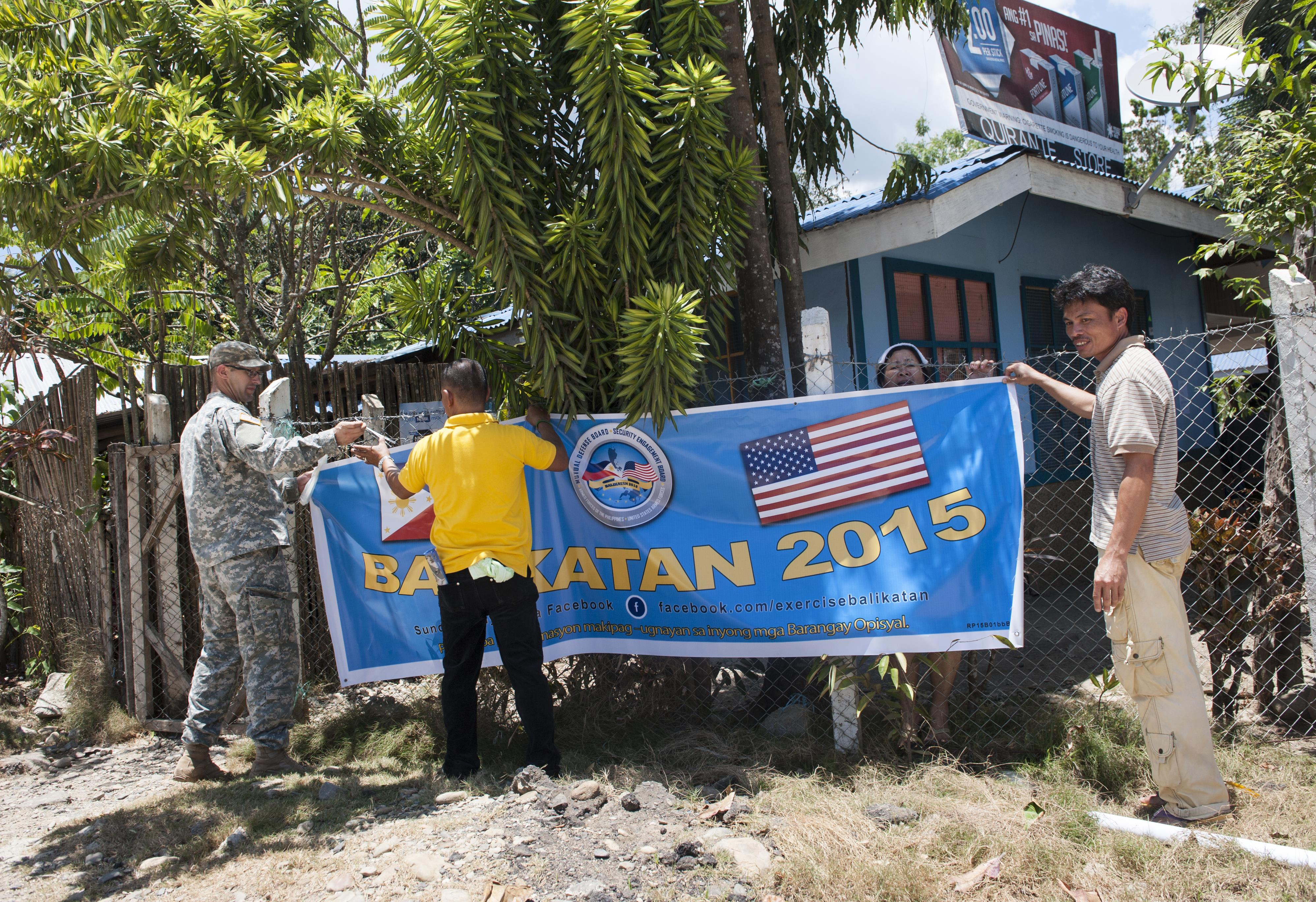 BK15 soldiers build rapport during visits to Palawan communities