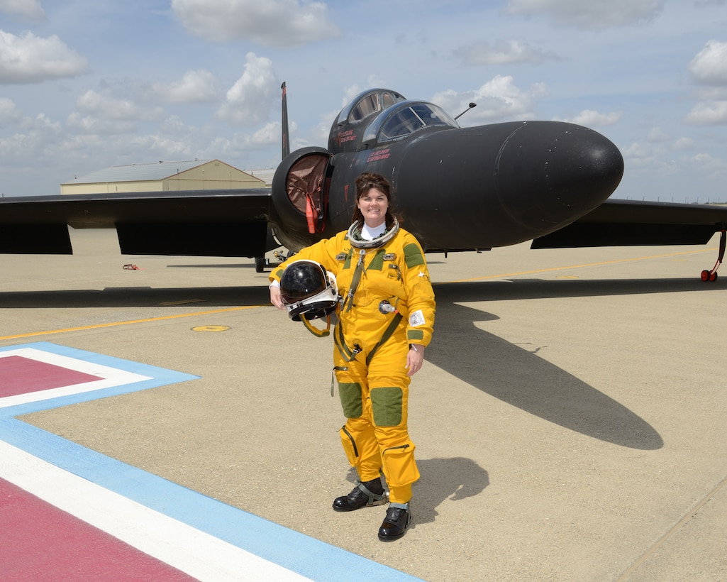 Dr. Mica Endsley, Chief Scientist of the U.S. Air Force, poses for a photo in front of a U-2 Dragon Lady at Beale Air Force Base, Calif., April 24, 2015. Endsley's mission is to serve as the chief scientific adviser to the Chief of Staff and Secretary of the Air Force, and provide assessments on a wide range of scientific and technical issues affecting the Air Force mission. (U.S. Air Force photo by John Schwab/Released)