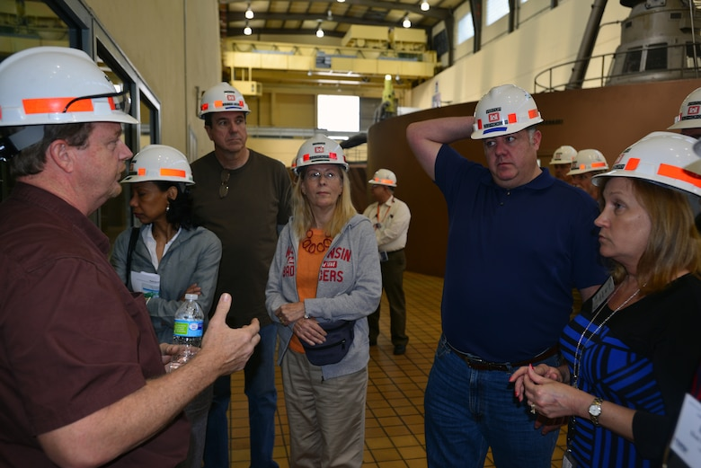 HENDERSONVILLE, Tenn. (April 23, 2015) – A group of the country's top power brokers attending their 2015 spring conference for the federal utility partnership working group, toured the Old Hickory power plant, Lock and Dam today.
