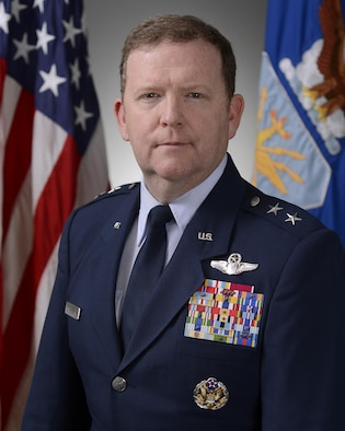 Official Air Force Image: MGen Richard Scobee Bio  Photo