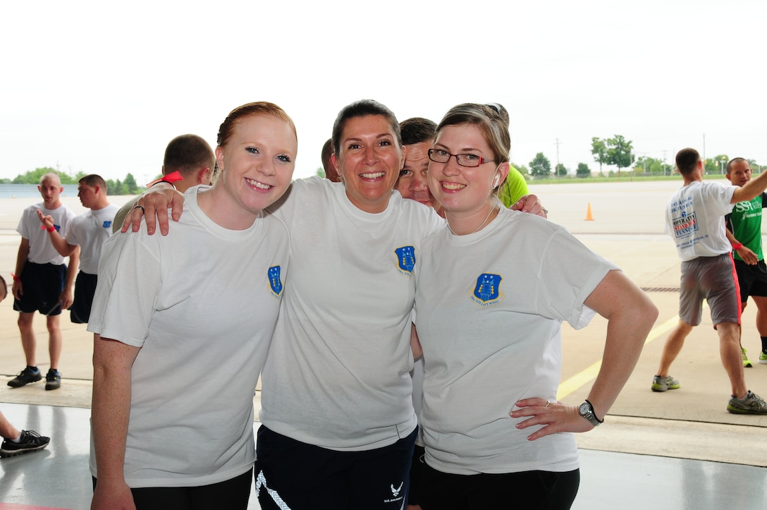 Members of Berry Field Air National Guard Base participated in a Fun Run hosted by Operation Stand Down, May 1, 2015. (Air National Guard photos by Senior Airman Caitlin Conner/ Released)
