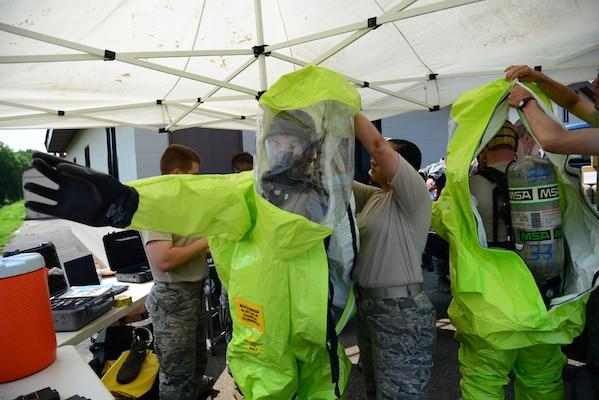 Osan Emergency Responders Receive Integrated CBRN Training > U S