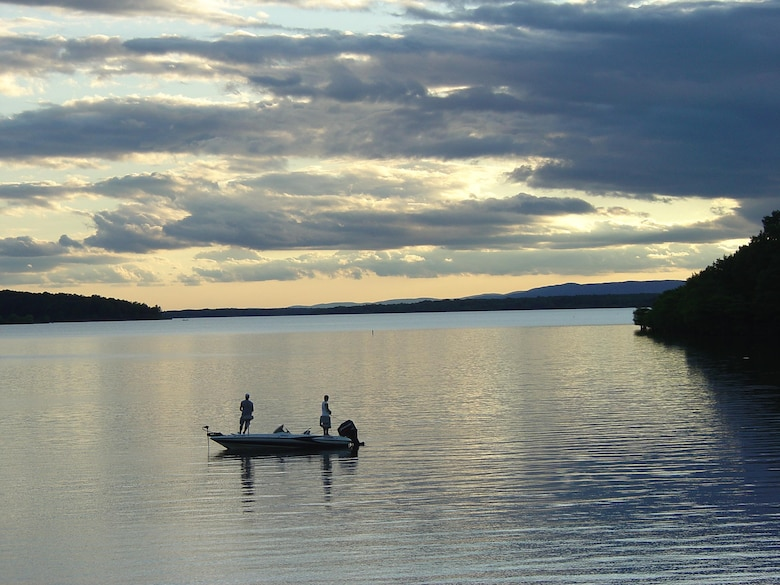 With wide open, breezy stretches for sailing and quiet secluded coves for skiing and swimming, the clear uncrowded waters of Norfork Lake are ideal for water sports.