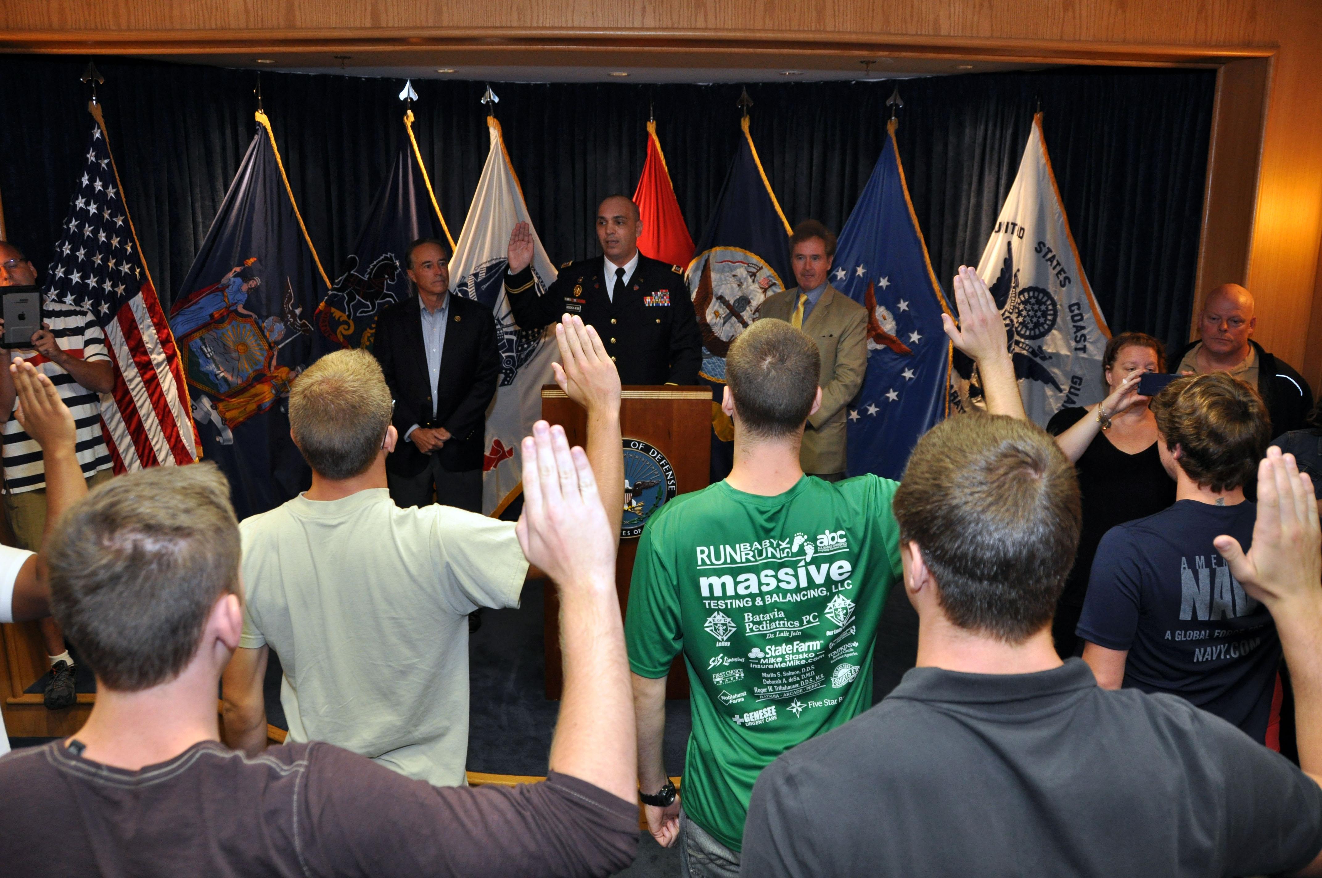 Two WNY congressmen witness Oath of Enlistment > Niagara
