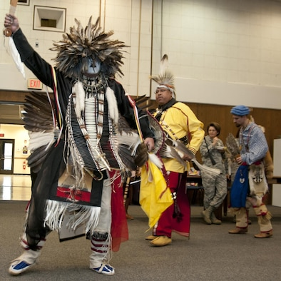 native american dance and ceremonial team male models