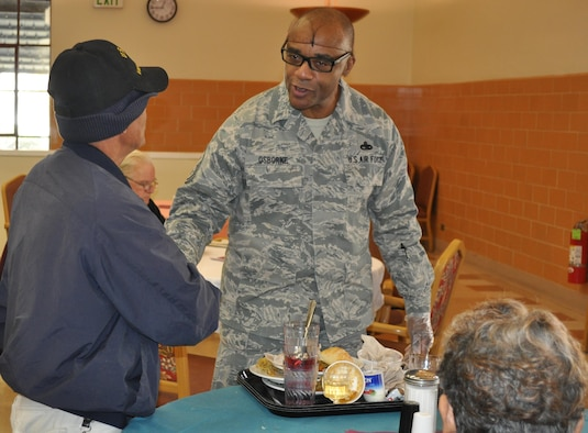 Travis reservists give thanks at Yountville Veterans Home.