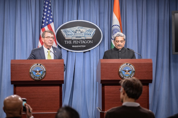 U.S. Defense Secretary Ash Carter, left, and Indian Defense Minister Manohar Parrikar conduct a joint news conference at the Pentagon, Dec. 10, 2015. DoD photo by Army Sgt. First Class Clydell Kinchen