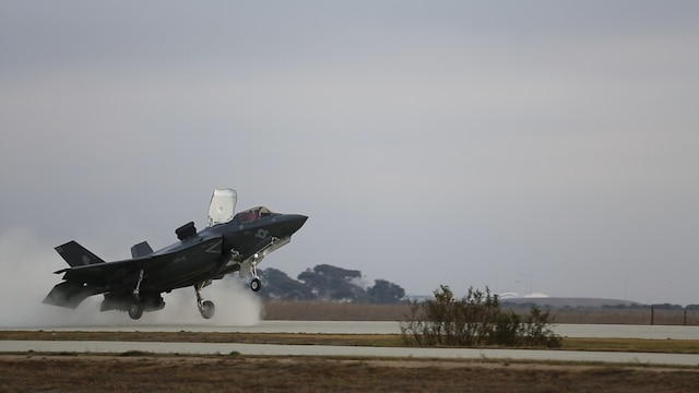 An F-35B Lightning II with Marine Fighter Attack Squadron (VMFA) 121 takes off from Red Beach at Marine Corps Base Camp Pendleton, Calif., Dec. 10, 2015. This is the first time that the F-35 conducted close air support missions in support of exercise Steel Knight.