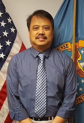 "Jose ""Sonny"" Acosta, distribution facilities manager at DLA Distribution Puget Sound, Wash., has been selected as one of DLA Distribution's Employees of the Quarter for fourth quarter fiscal year 2015."