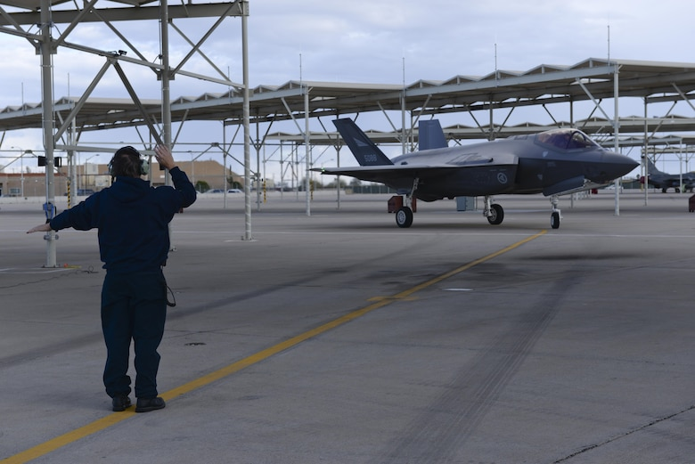 An F-35 Lightning II piloted by Royal Norwegian Air Force Maj. Morten Hanche, a 62nd Fighter Squadron F-35 student pilot, taxis to rest on the flightline after a successful sortie Dec. 14, 2015, at Luke Air Force Base, Ariz. Hanche is the first Norwegian to fly an F-35, and is now the first Norwegian to have piloted a Norwegian-specific F-35. (U.S. Air Force photo/Airman 1st Class Ridge Shan)