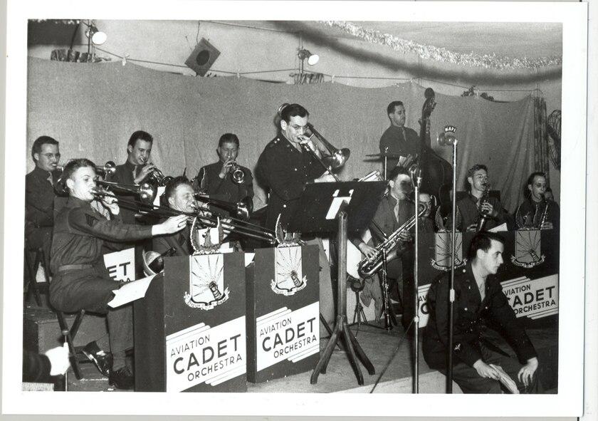 Glenn Miller Band performing Christmas concert, 1942