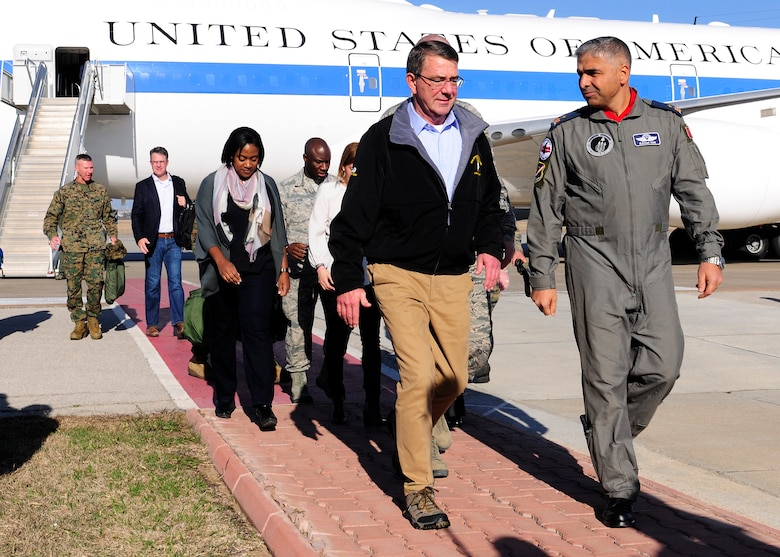 Defense Secretary Ashton B. Carter speaks with Brig. Gen. Bekir Ercan VAN, 10th Tanker Base commander, as he departs his plane Dec. 15, 2015, at Incirlik Air Base, Turkey. During his visit, Carter spoke with leadership from U.S. and coalition force militaries as well as met with military members and dependents currently stationed at Incirlik AB. (U.S. Air Force photo by Senior Airman Krystal Ardrey)