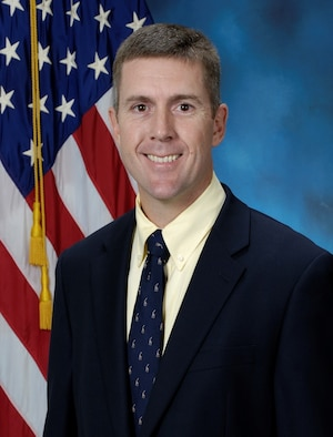Perry Hill, the product support manager in the Space, Aerial and Nuclear Networks division at Hanscom Air Force Base, Mass., won a 2015 Secretary of Defense Product Support Manager Award in the Major Weapon System/Other Weapon Systems category announced Dec. 9, 2015.