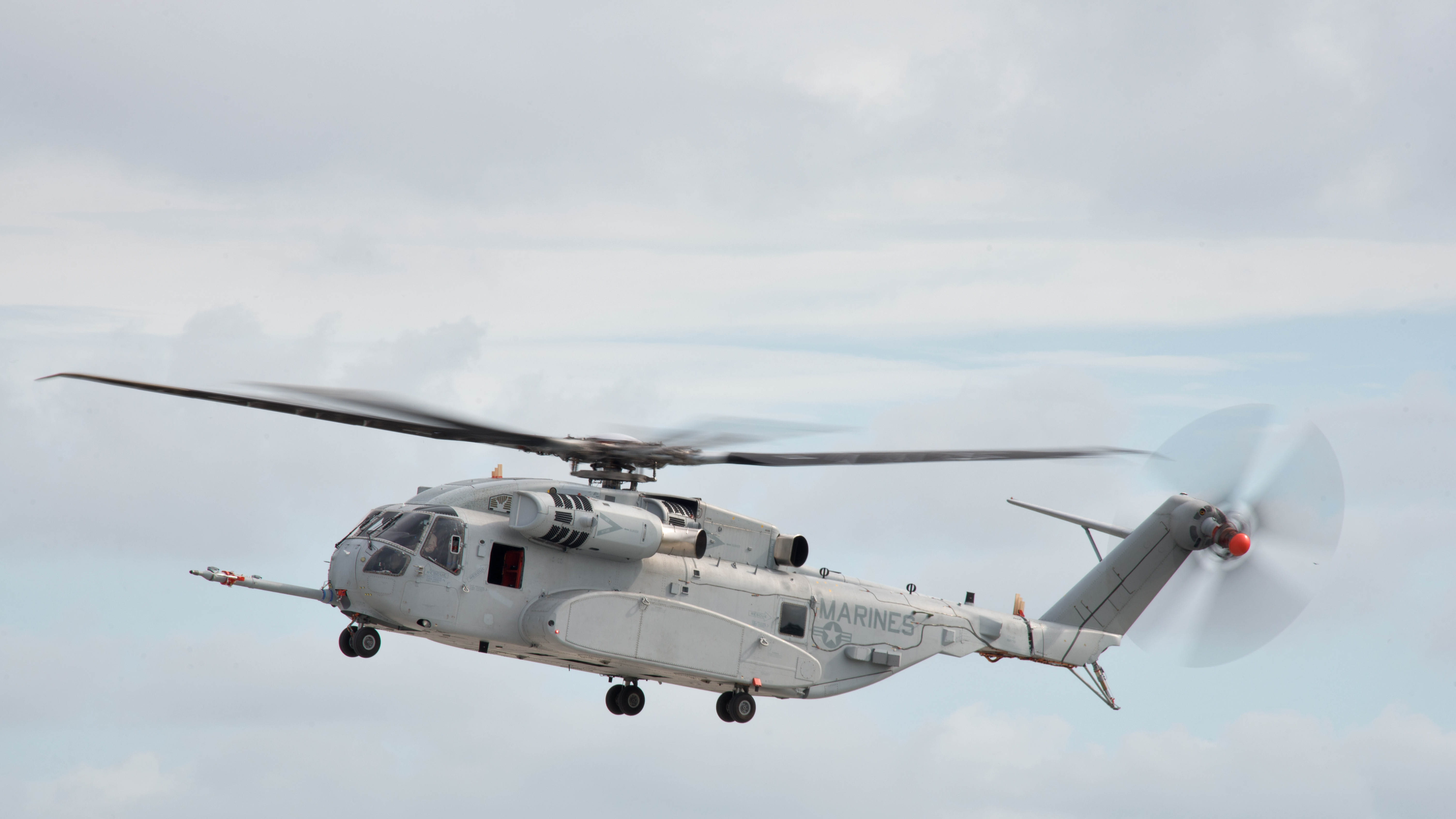 ch 53k helicopter with Marine Corps Pilot Continues 112 Year Old Tradition Flies New King Stallion on 137801853282 as well Sikorsky Wins Us Navy Contract To Replace Marine One Helicopter Fleet 59527 besides H 53 Pics additionally 2150191 together with Ch53k The Us Marines Hlr Helicopter Program Updated 01724.