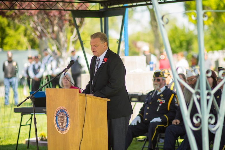 Mountain Home Mayor Tom Rist speaks at a Memorial Day service at Mountain View Cemetery in Mountain Home, Idaho, May 25, 2015. Rist's tenure as mayor has been marked by frequent attendance and participation in events with the nearby base and local veterans. (U.S. Air Force photo by Tech. Sgt. Samuel Morse/RELEASED)