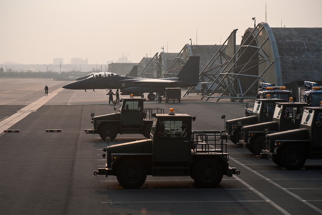 An F-15K Slam Eagle from the South Korean air force's 11th Fighter Wing prepares to taxi on the runway during exercise Buddy Wing 15-2 Feb. 5, 2015, at Daegu Air Base, South Korea. During the four-day exercise, pilots from the 8th FW exchanged tactics and procedures with their South Korean counterparts. (U.S. Air Force photo/Senior Airman Katrina Heikkinen)