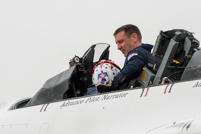Overcast skies and snow flurries greet Maj. Scott Petz, a pilot with the U.S. Air Force Thunderbirds aerial demonstration squadron, as he parks his F-16 Fighting Falcon at the Kentucky Air National Guard Base in Louisville, Ky., Feb. 12, 2015. Petz was in Louisville to coordinate logistics for the Thunderbirds team, which will be the marquee attraction at this year's Thunder Over Louisville air show April 18. (U.S. Air National Guard photo by Maj. Dale Greer)
