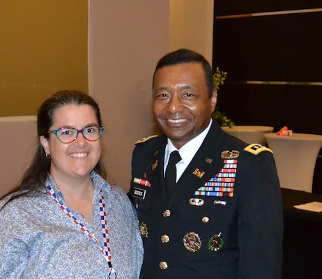 Jacksonville District's Crystal Markley met with Lt. Gen Thomas Bostick at the Global Engineering conference.