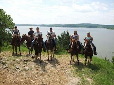 Riders enjoying Berry Bend Equestrian trails