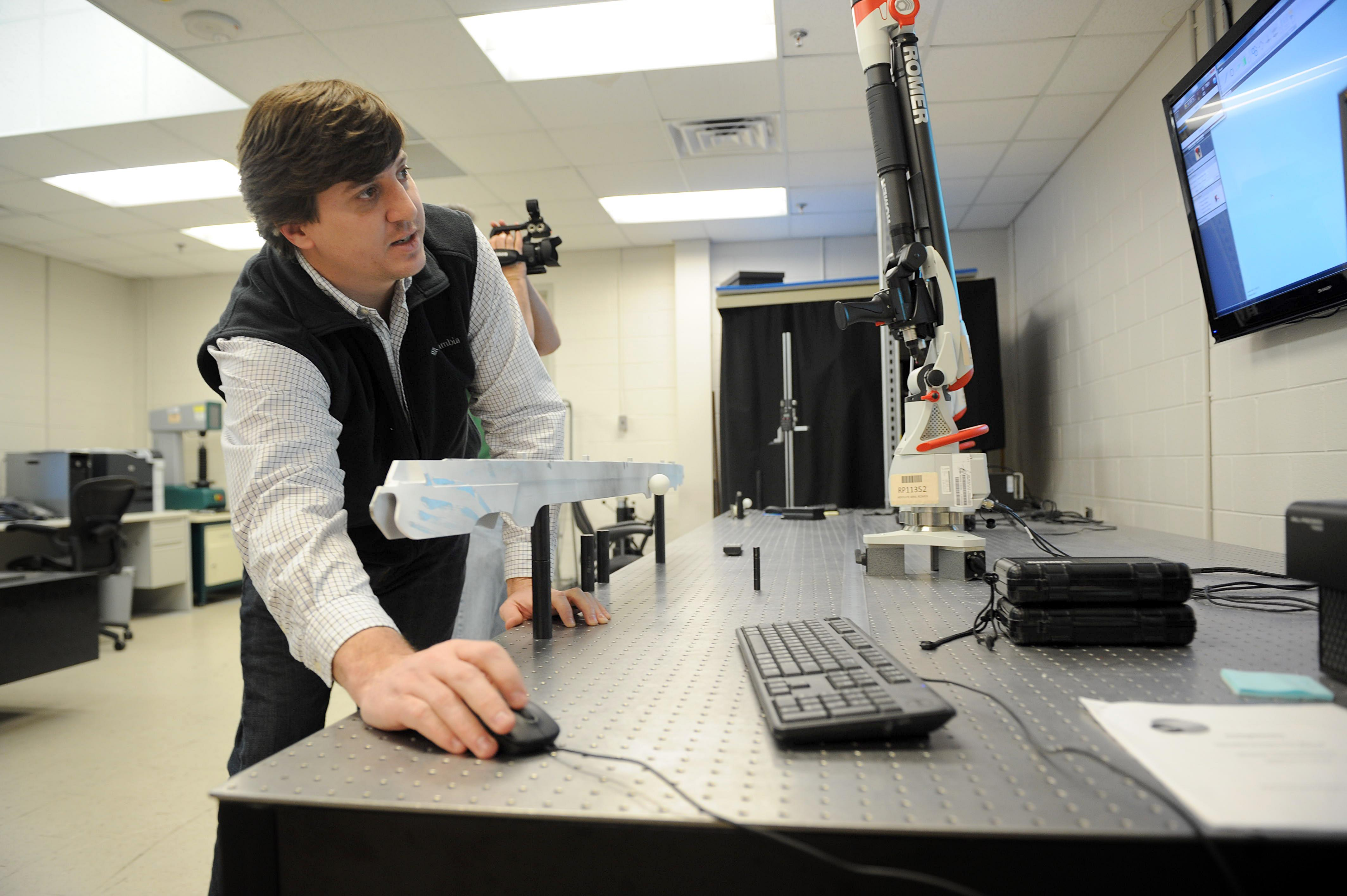 3-D printer creates models that save time, money > U S  Air Force