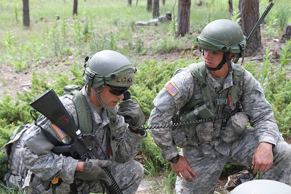 Incroyable U.S. Army Officer Candidates Call In A Situation Report Up To Command  During Officer Candidate School