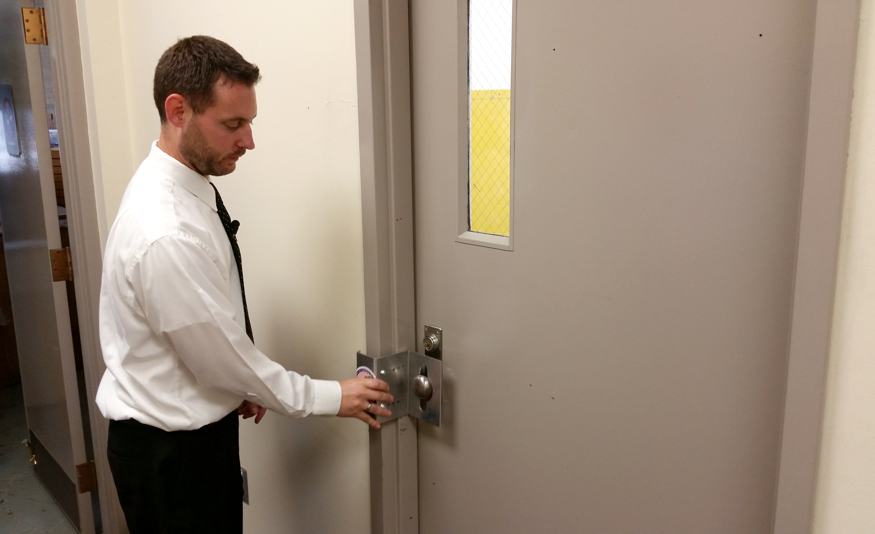 Portable Door Locks Designed By Afrl Team Could Save Many