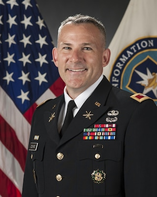 Commandant Defense Information School Article View