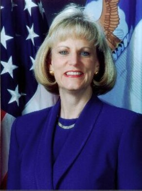 Patsy Reeves, the Executive Director for the Air Force Life Cycle Management Center, is a 2014 Presidential Distinguished Rank award recipient. (U.S. Air Force photo / Released)