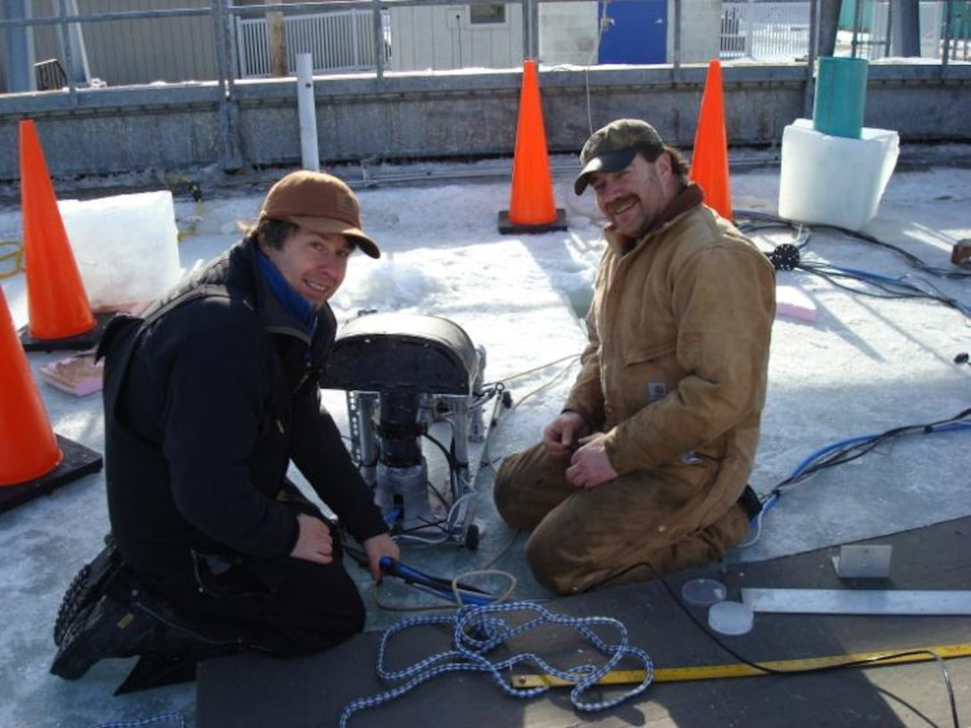 CRREL collaborates with Scott Polar Research Institute to detect oil under sea ice using submerged sensors in the Geophysical Research Facility.
