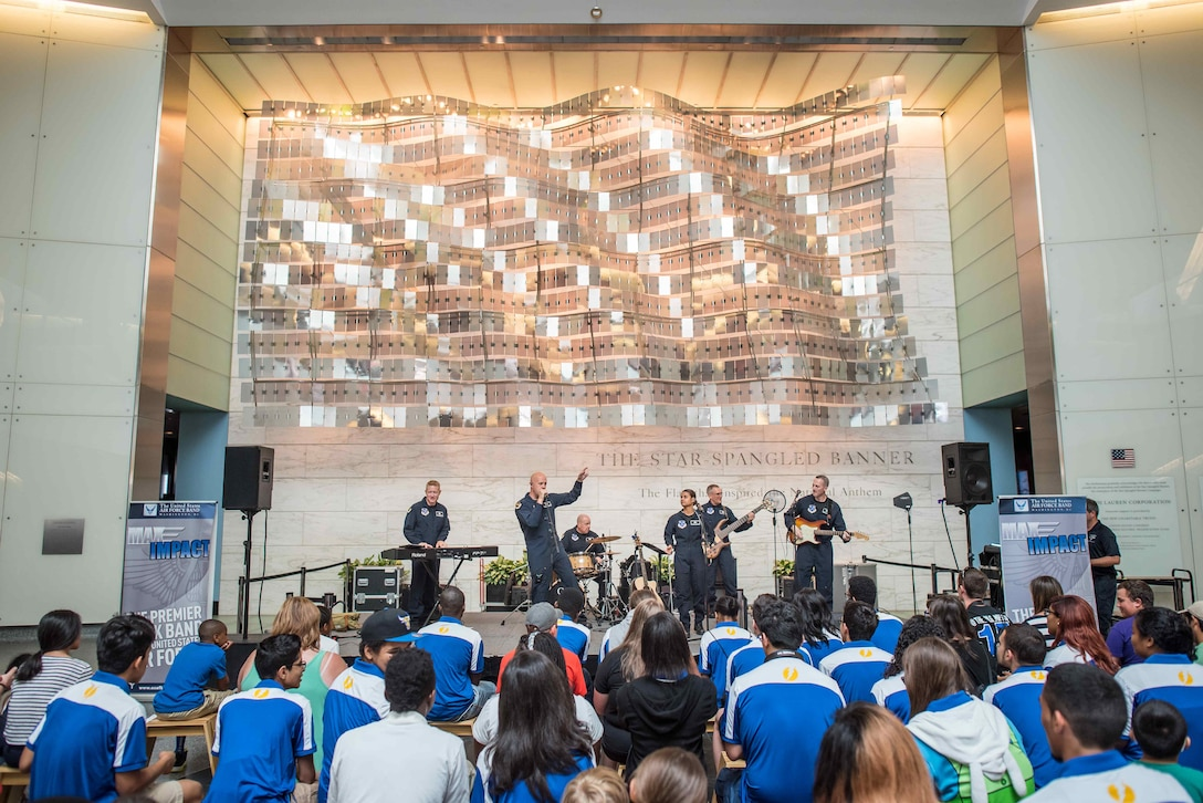 Max Impact had quite the crowd at their recent performance at the Smithsonian Museum of American History. (U.S. Air Force Photo by Senior Master Sgt Kevin Burns/released)