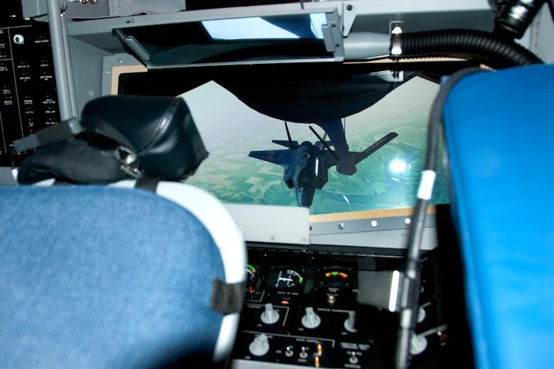 Boom operator simulation system. (U.S. Air National Guard photo by Tech. Sgt. Armando Vasquez/Released)