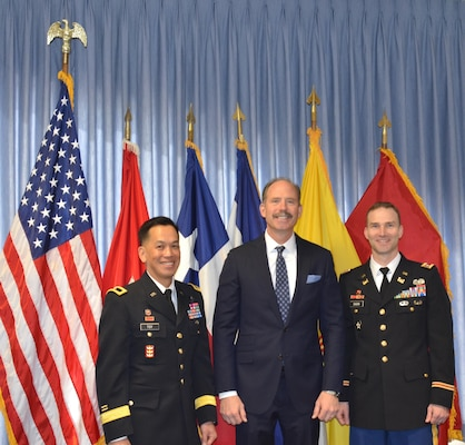 ALBUQUERQUE, N.M.-- Albuquerque Mayor Richard Berry met with South Pacific Division Commander Brig. Gen. Mark Toy (left)and District Commander Lt. Col. Patrick Dagon during Toy's visit to the District, Feb. 26, 2015.