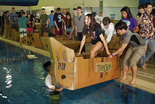 Students of Matthew C  Perry High School begin their cardboard boat    Matthew Perry High School