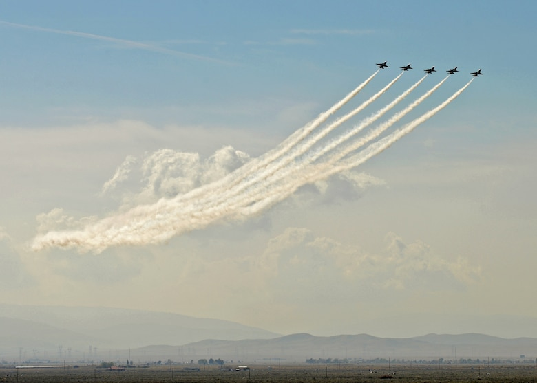 "A formation of U.S. Air Force Thunderbirds fly over the ""High Desert"" valley during the 2015 Los Angeles County Air Show on March 22. The LA County Air Show was held March 21 and 22 at William J. Fox Airfield in Lancaster, Calif., where the Thunderbirds were the headline show during the two-day event. (U.S. Air Force photo by Jet Fabara)"