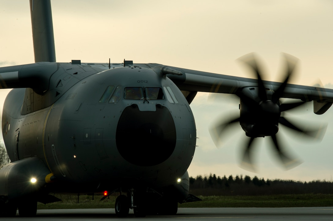 A French air force Airbus A400M carrying Airmen from the 354th Expeditionary Fighter Squadron and equipment taxis on the flightline April 30, 2015, at Ämari Air Base, Estonia. The U.S. and Estonian air forces will conduct training aimed to strengthen interoperability and demonstrate the countries' shared commitment to the security and stability of Europe. (U.S. Air Force photo by Senior Airman Rusty Frank/Released)