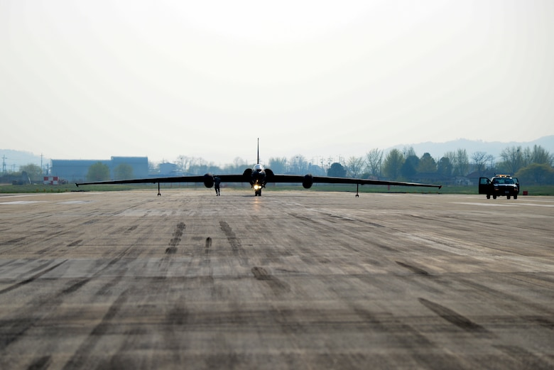 Lt. Col. Luke Lokowich, 5th Reconnaissance Squadron commander and a U-2 pilot, prepares to take off for a high-altitude flight April 22, 2015, at Osan Air Base, Republic of Korea. The U-2 has been used for electronic sensor research, satellite calibration, and communications purposes. (U.S. Air Force photo by Senior Airman Matthew Lancaster)