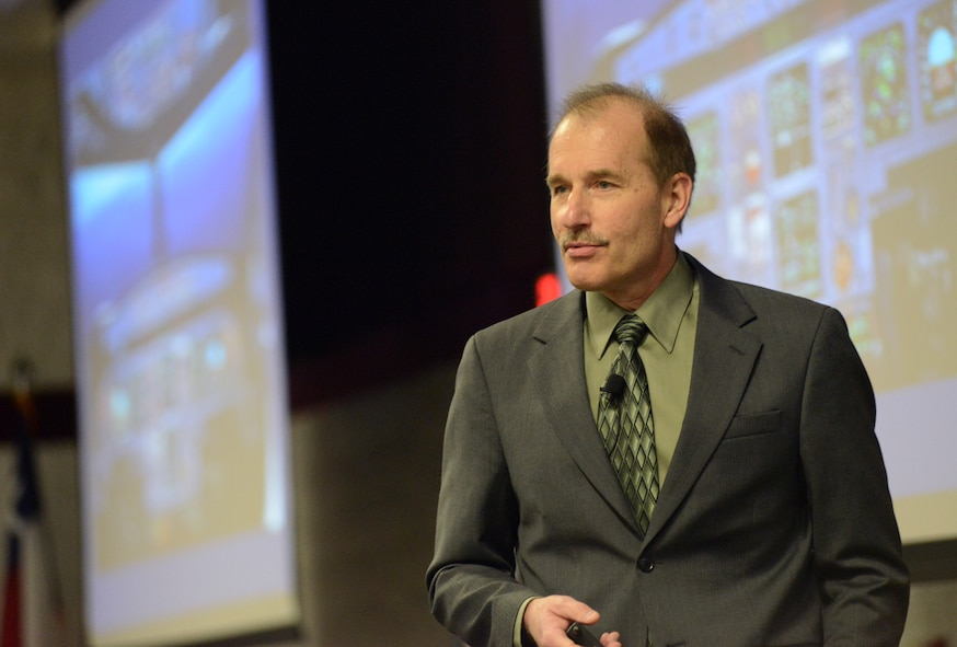 """Jeff Skiles, first officer on the """"Miracle on the Hudson"""" US Airways Flight 1549, discusses his experience in a crisis situation and its applications for training at the 2015 Air National Guard Executive Safety Summit at Volk Field Combat Readiness Training Center, Wisconsin May 5, 2015. The conference covers a wide range of topics for ANG senior leaders including safety, resilience, risk management and mishap prevention. (US Air National Guard photo by Staff Sgt. John E. Hillier/RELEASED)"""