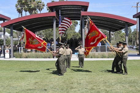 U.S. Marine Corps Col. Eric B. Kraft, off going commanding officer, Headquarters Regiment, 1st Marine Logistics Group, 1 Marine Expeditionary Force, and on coming commanding officer, Col. Phillip N. Frietze salute the colors during the Change of Command Ceremony for Headquarters Regiment aboard Camp Pendleton Calif., May 1, 2015. The Change of Command Ceremony for Headquarters Regiment showcased the passing of command from Col. Eric B. Kraft to Col. Phillip N. Frietze. (U.S. Marine Corps photo by Lance Cpl. Lauren Falk/Released)
