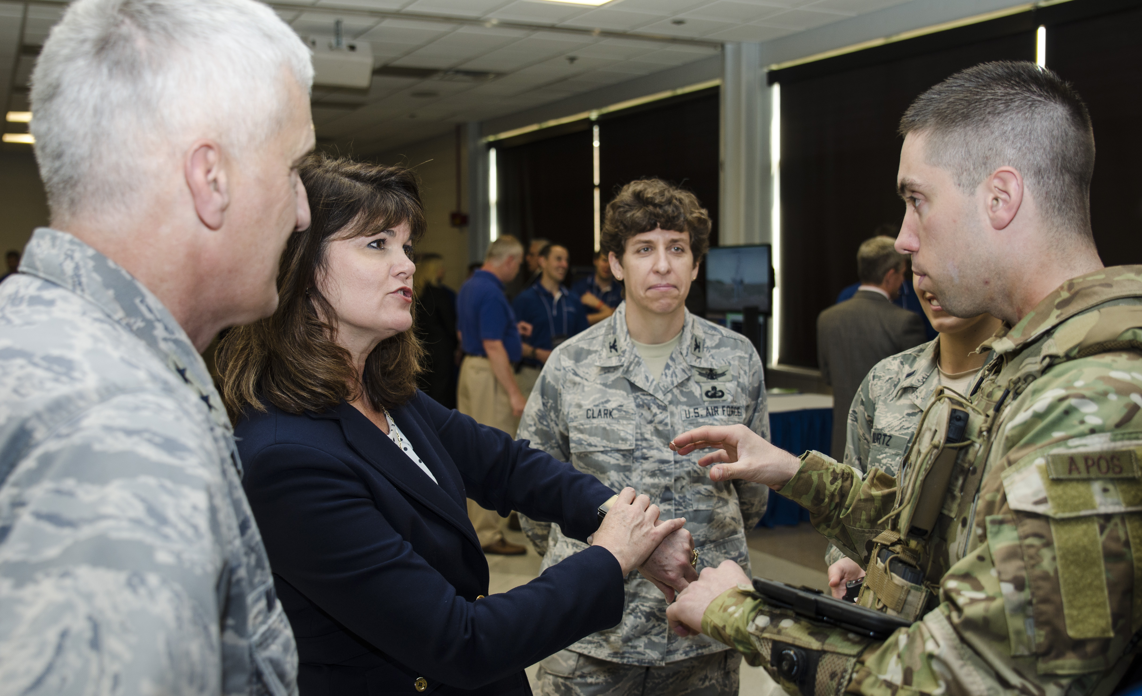 Af Chief Scientist Visits Afrl Receives Service Honor Wright